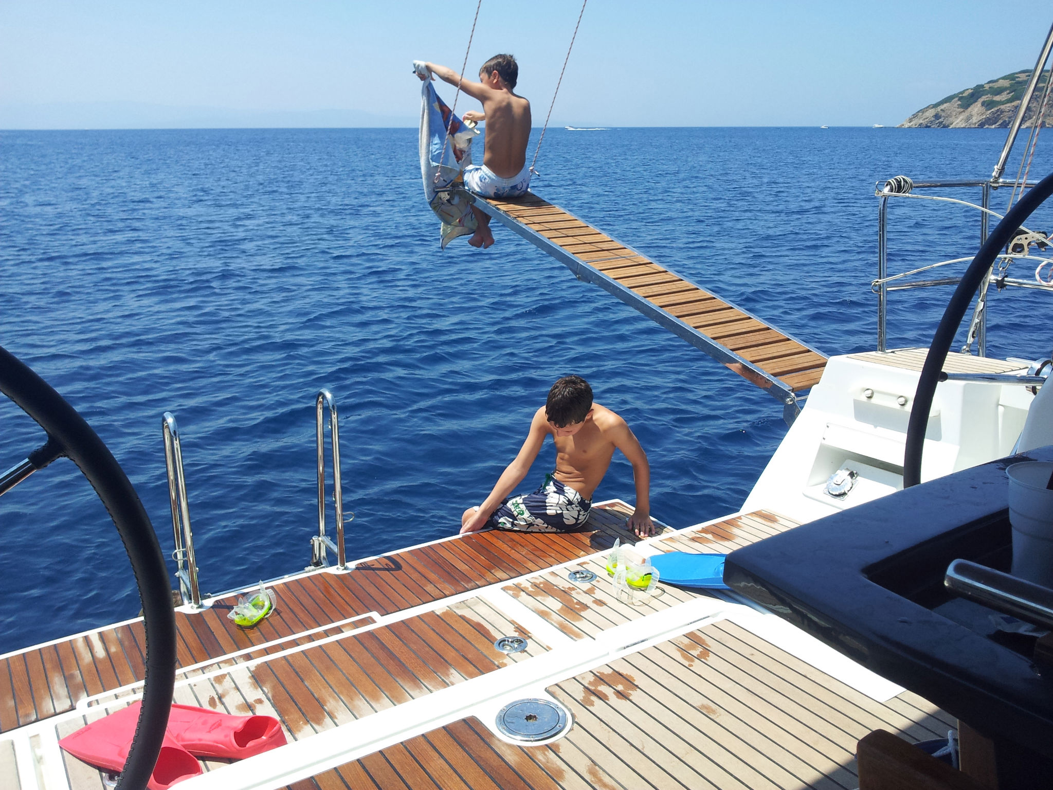 yacht charter skiathos puresailing.gr